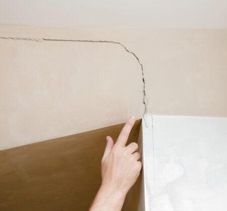 Crack in ceiling